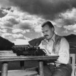 Неуништливиот Хемингвеј преживеал многу нешта во текот на неговиот авантуристички живот