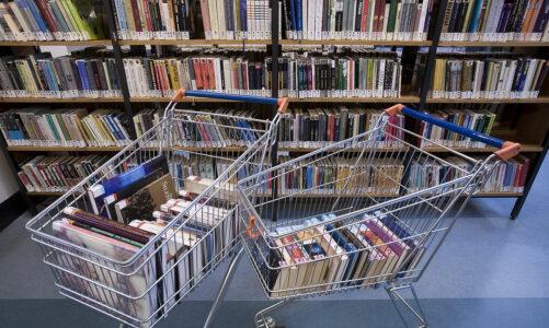 30 нешта што не треба да се прават во книжарница при купување книги