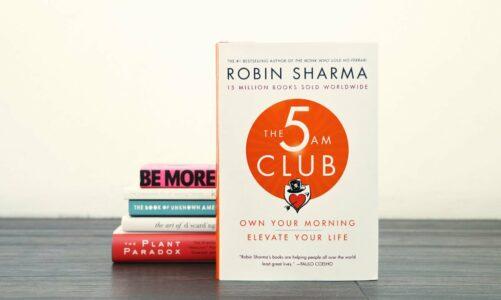 """Рецензија на """"Клубот 5 наутро"""" од Робин Шарма"""