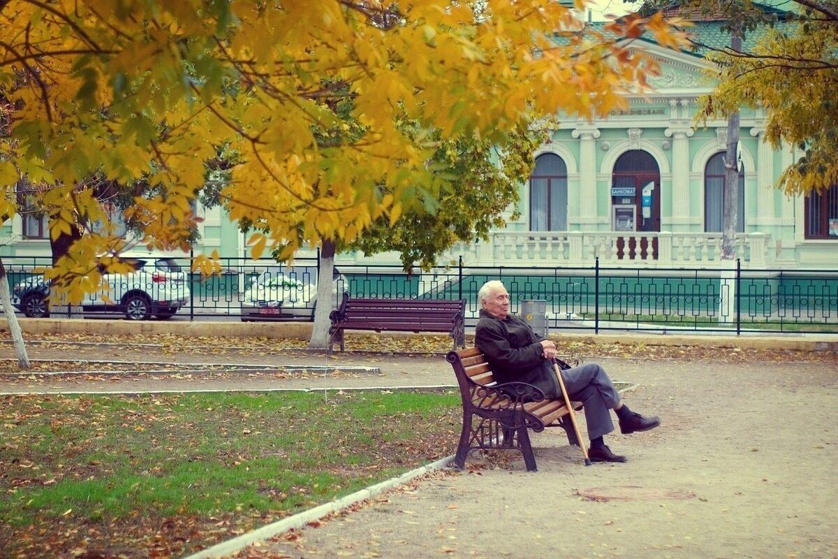 Мудра приказна за старецот и бизнисменот: Дали моќта е во парите?