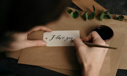 10 мисли за љубовта кои ќе ве замислат за нејзината моќ