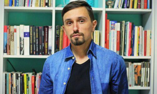 Одблиску со Дејан Крстески – автор и поет кој годинава постигна меѓународен успех
