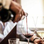 Поучна приказна за еден келнер и скржавоста на писателот Џек Лондон
