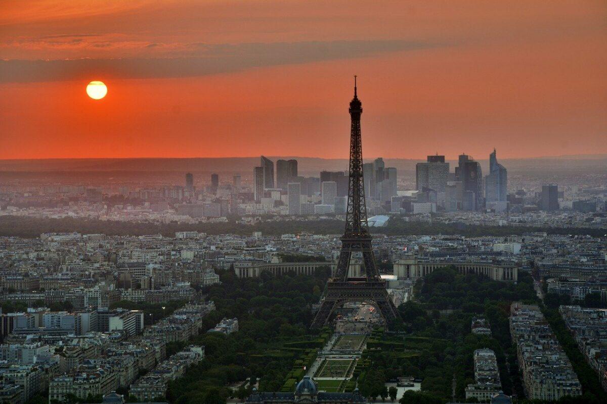 """""""Полноќ во Париз"""" – лесен филм со моќна порака"""