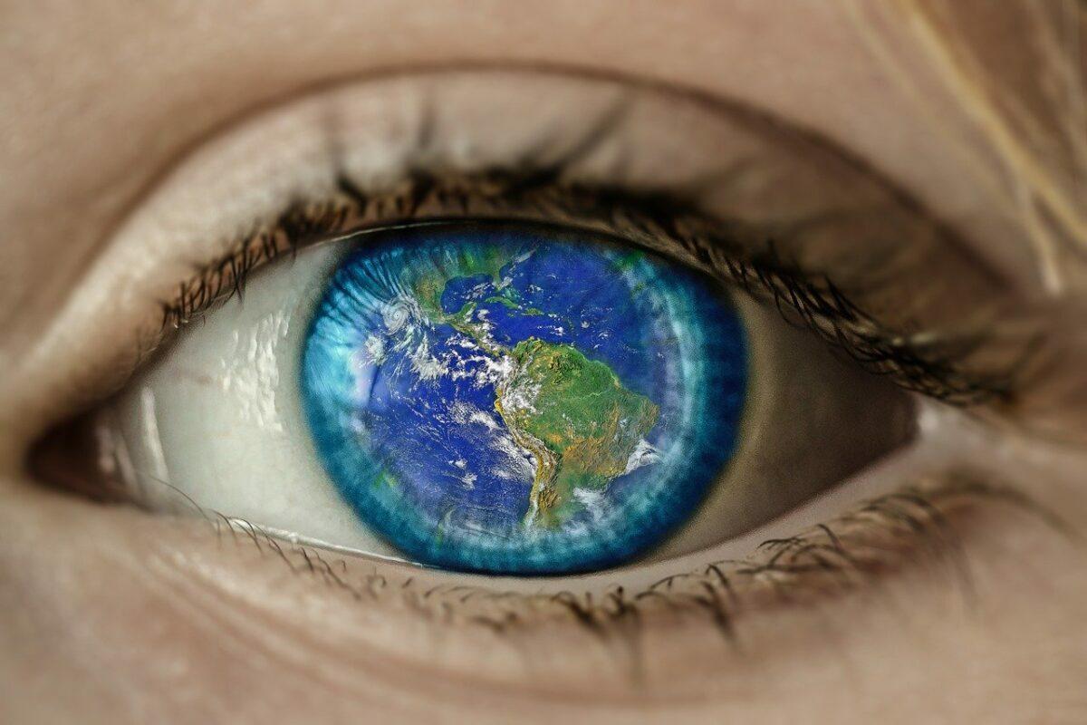 """""""Лагата која ја живееме"""": Мотивирачко и инспиративно видео кое може да го промени вашиот светоглед"""