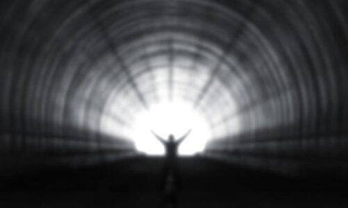 Да се преживее смртта: Научни истражувања преточени во серија