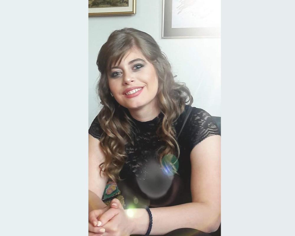 Запознајте ја Димитра Десановска, млада и амбициозна студентка која го обожава пишувањето